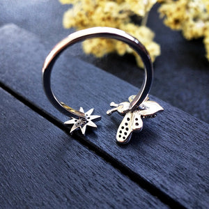 Lovely Bee Kiss Open Ring