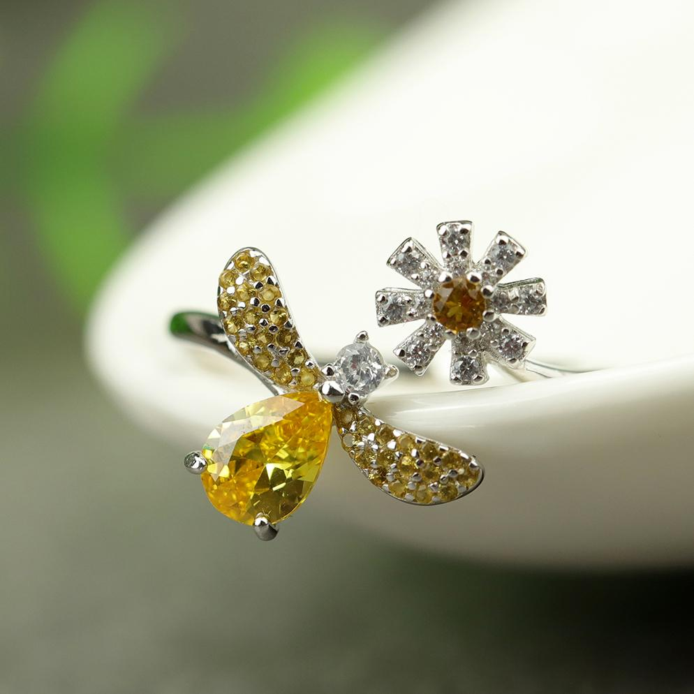 Stunning Bee Flower Open Ring