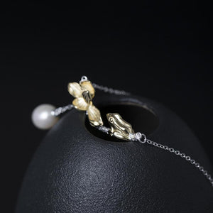 Clever Frog Lotus Pearl Necklace