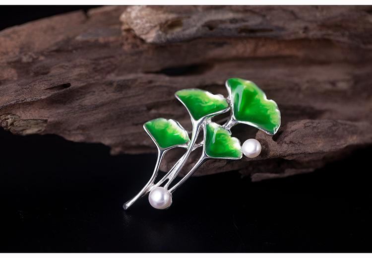 Exquisite Pearl Gingko Brooch