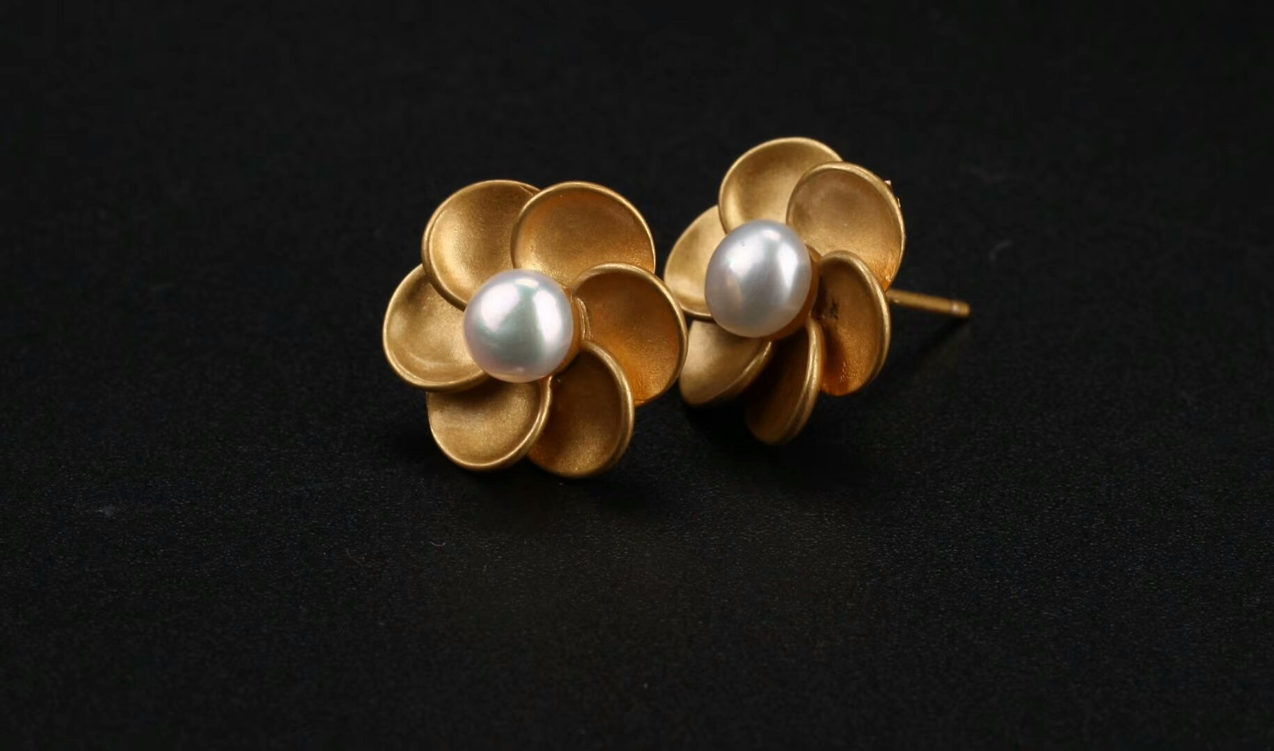 com ewa pdp earrings johnlewis main buyewa white big at flower gold diamond john rsp stud online