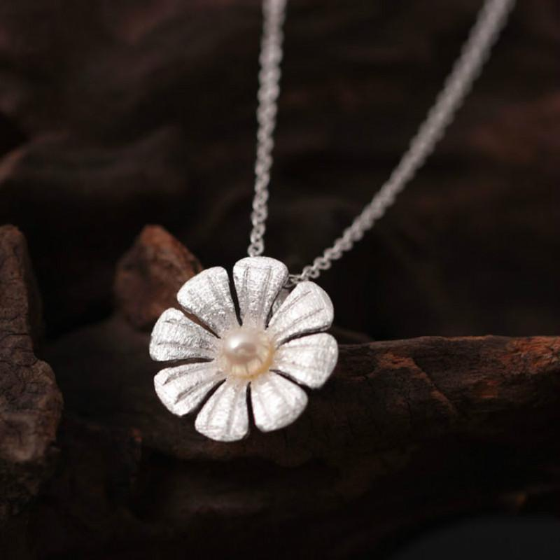 Imitation Pearl Flowers Necklace