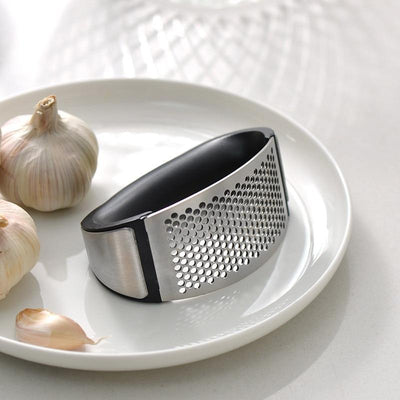 StructuredShop kitchen GRANK™ - World's Most Effortless Garlic Press