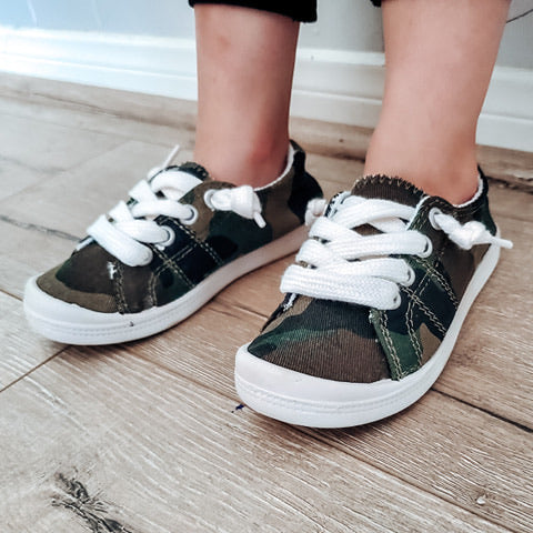 Girl's Camo tennies - Arrows, Bows & Lil Toes