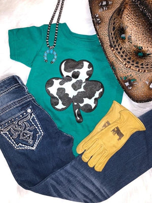 Kids cow clover tee