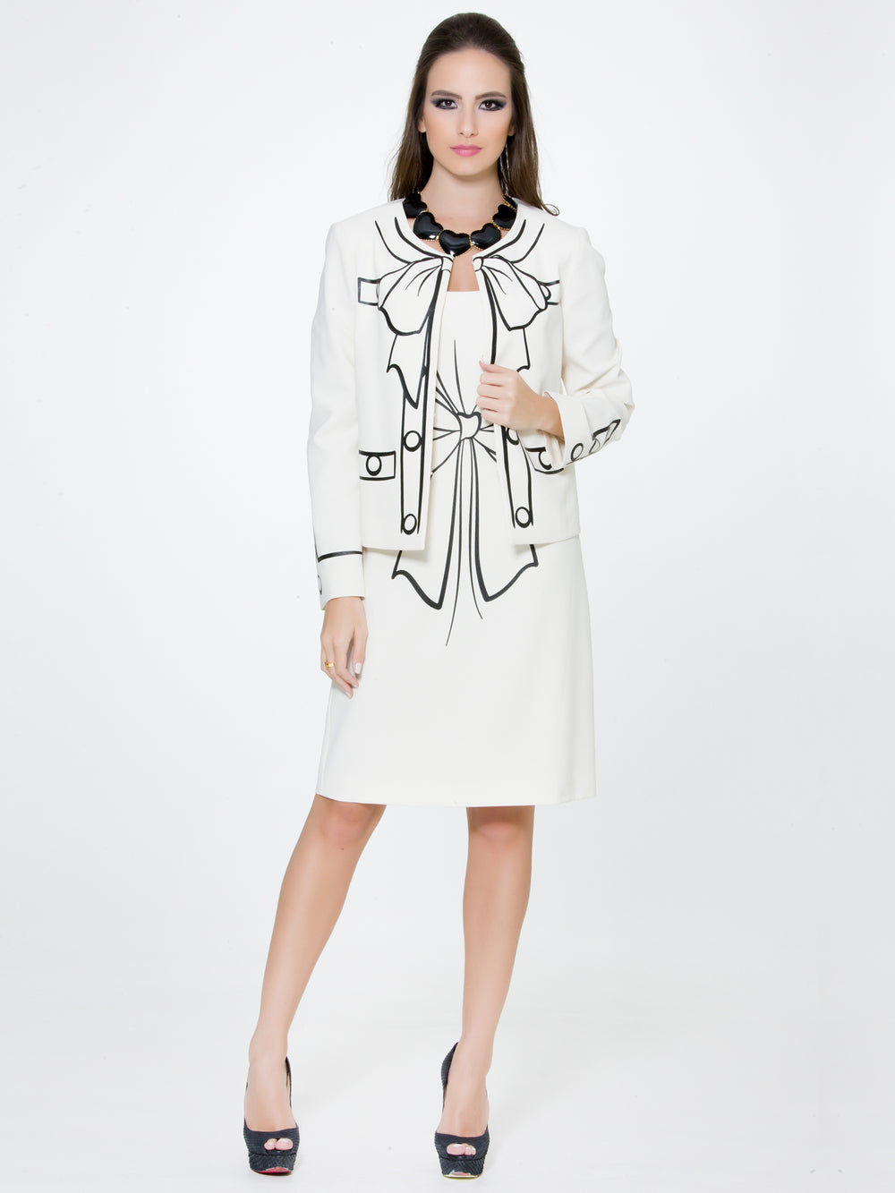 White Bow Jacket, BOUTIQUE MOSCHINO - elilhaam.com