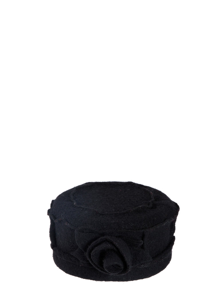 Black Classic Hat With Rose Embedded Finish
