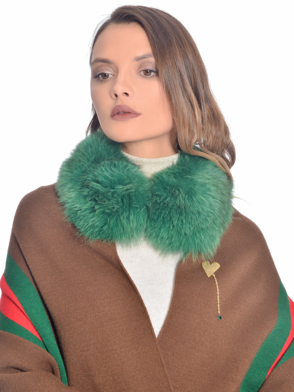 Dual Fox Fur Cape, CHIZELLE - elilhaam.com