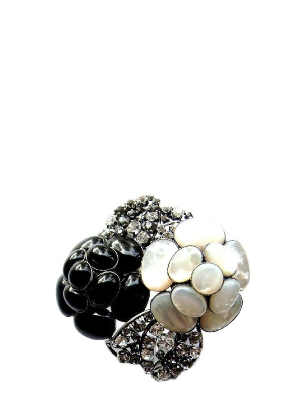 Fouquet's Pearls Hand Cuff