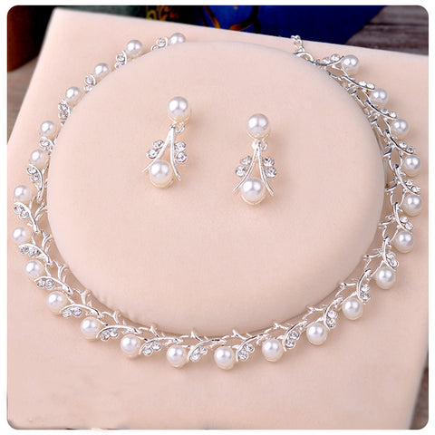 Gorgeous Pearl Rhinestone Branch Choker/Earrings Set