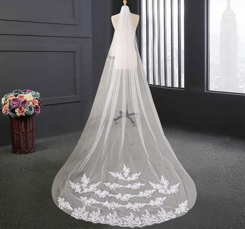 Tulle Cathedral Veil with Layered Lace Design - PB and Apple Jelly
