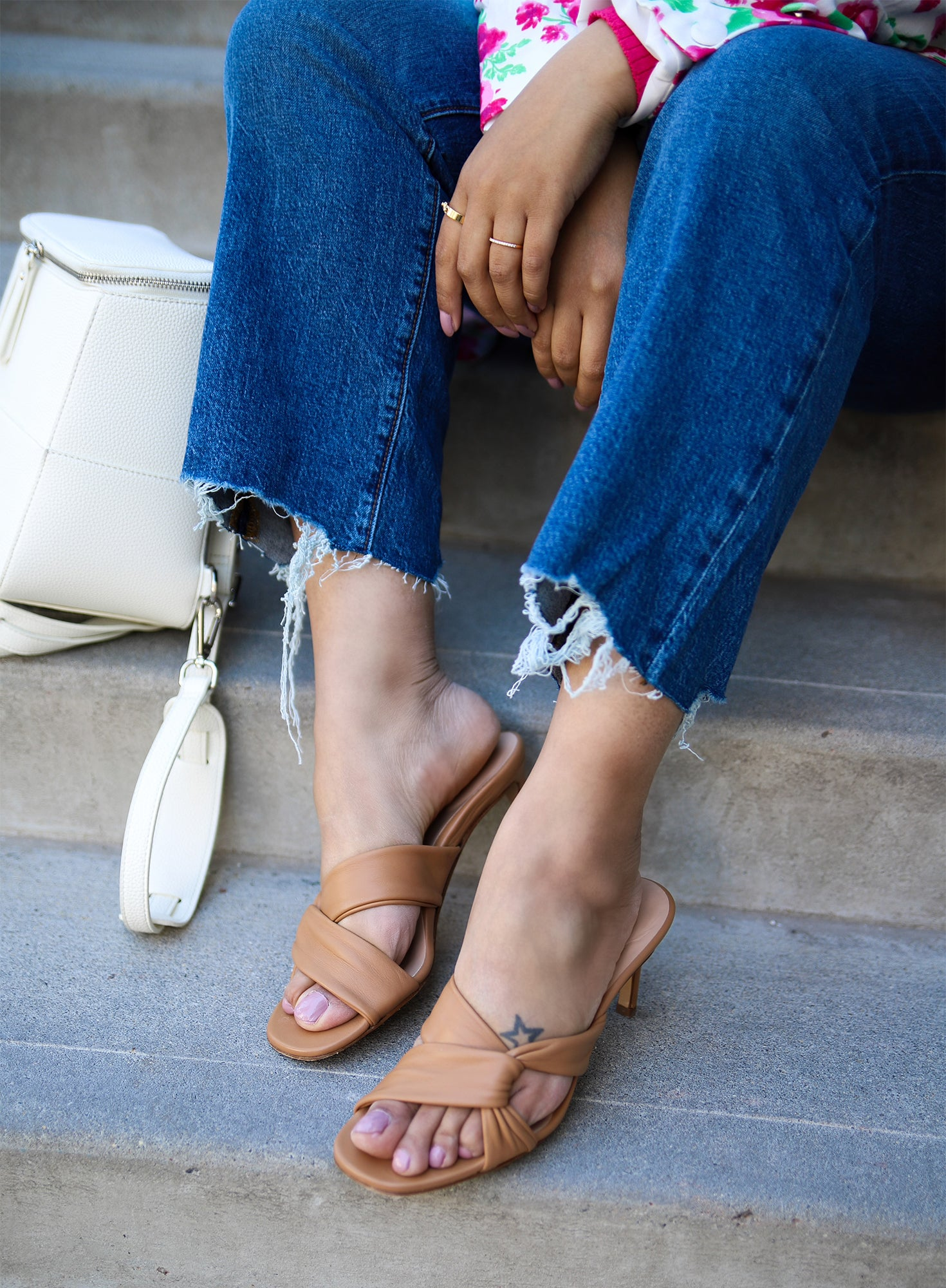 Does a comfortable heeled sandal exist?! I'm here to tell you, it does. Inez makes truly comfortable and chic shoes. Because you shouldn't have to compromise either.