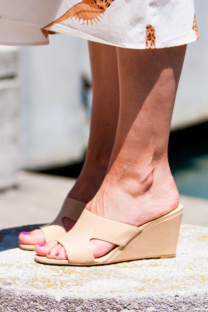 You can walk all day in these shoes and your feet will be happy.