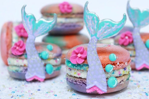 Mermaid Macarons with Edible Glitter: The Perfect Mermaid Party Dessert