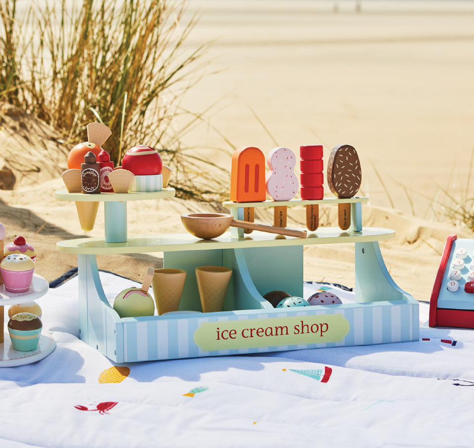 lolly & scoop ice cream shop on the beach