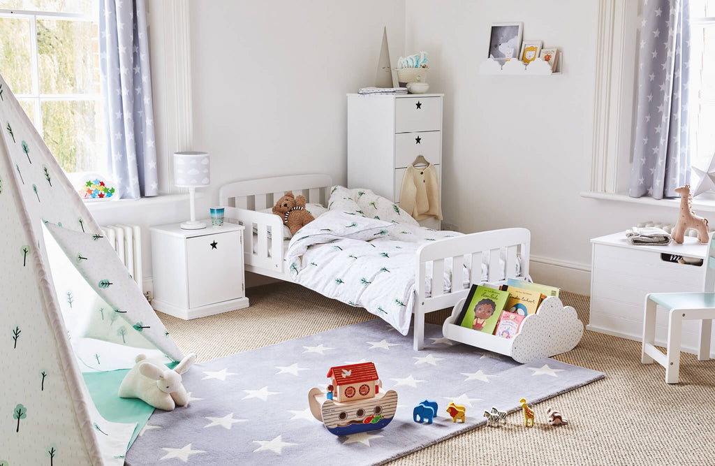 grey star and woodland themed toddler bedroom