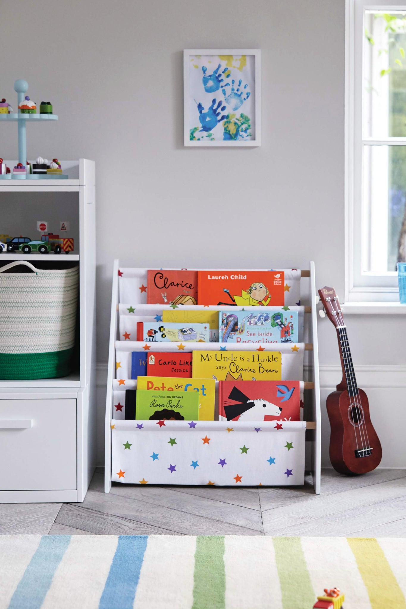 Cosy reading nooks and autumn-themed children's books