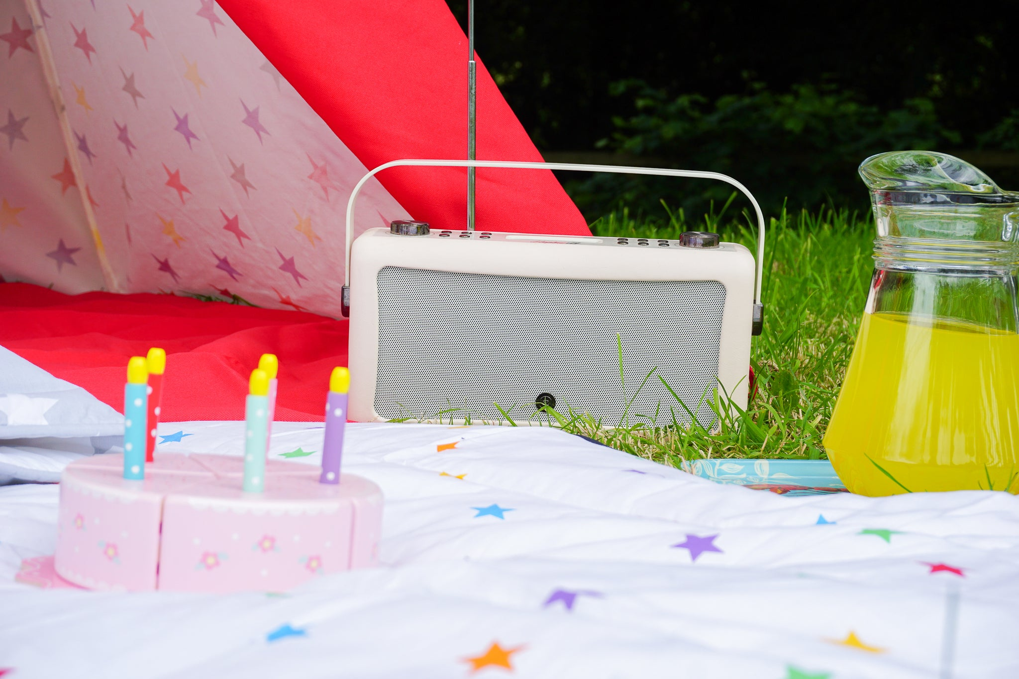 Celebrating National Picnic Week with the perfect picnic for kids