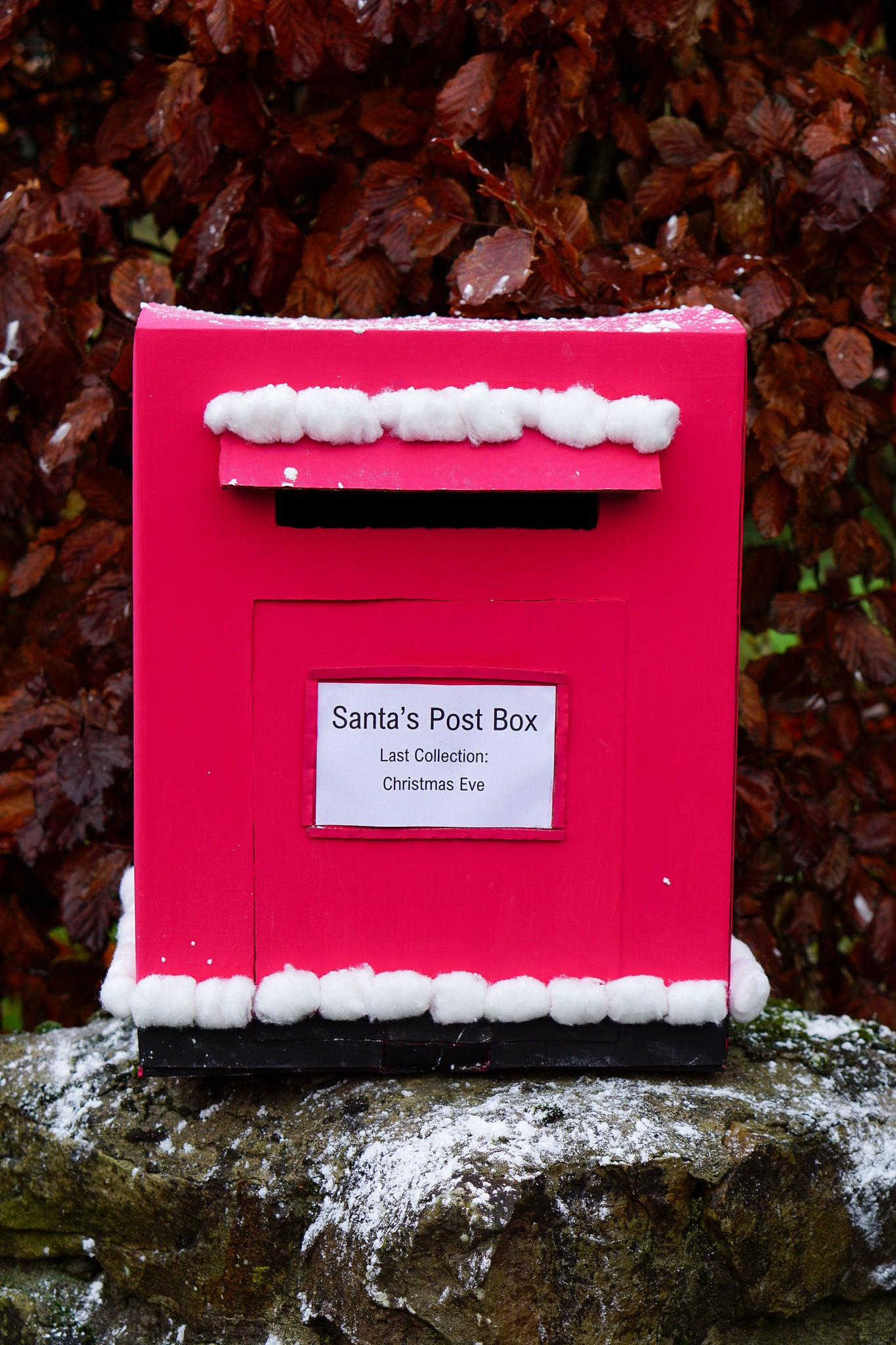 Make your own great little Christmas post box