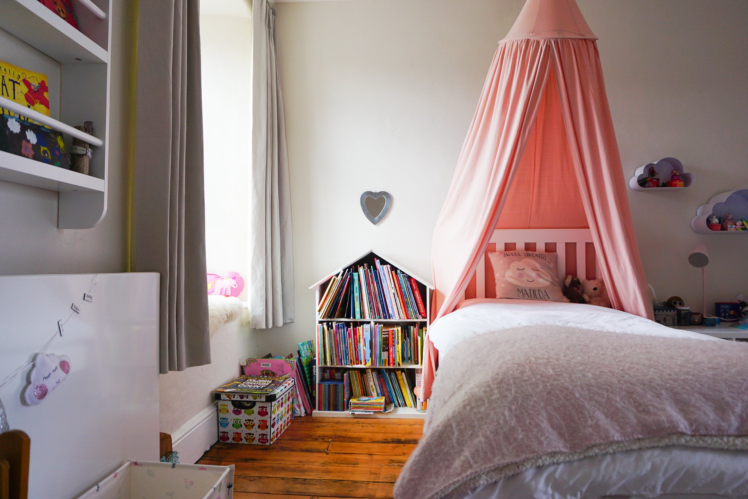 Real Rooms: A Farmhouse Filled With Colour And Books