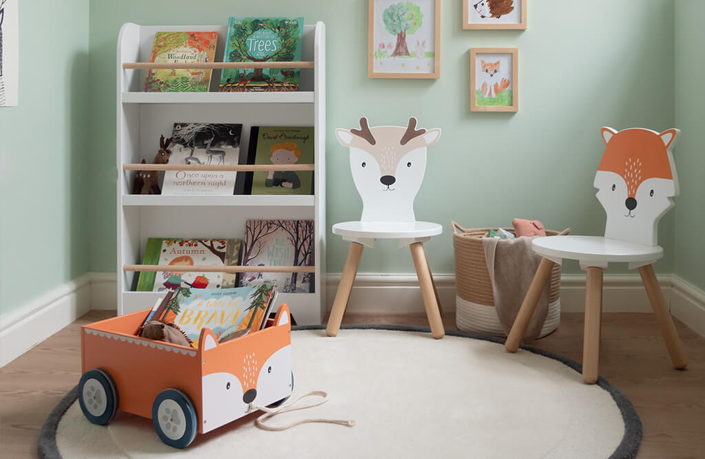 Woodland play room and book storage