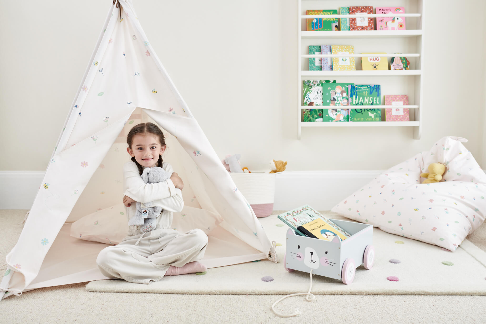 Buzzy Blooms teepee