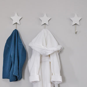Star coat hooks in white (set of 3).
