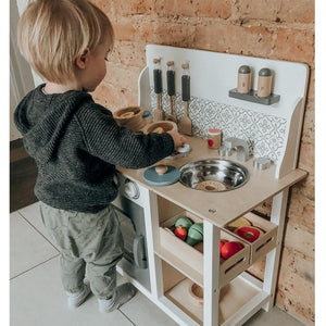Pat-a-cake Play Kitchen