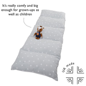 Star patterned kid's sleepover bed in a bag