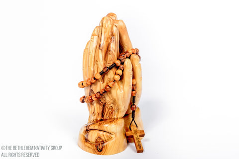 Olive Wood Praying Hands / www.tbng.co.uk