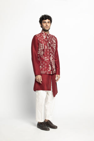 Rajma Red Kantha Sadri Set