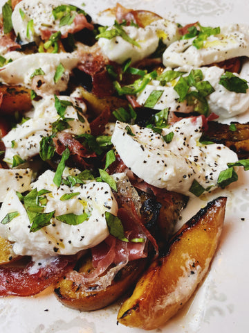 easy grilled peaches and burrata salad