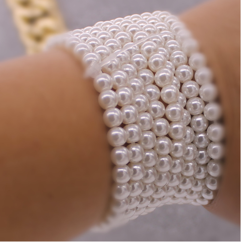 Beautiful set of 8 imitation pearl bracelets