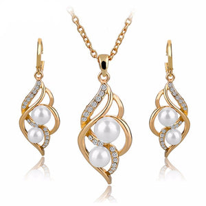 Beautiful Simulated Pearl Jewelry Set with Earrings