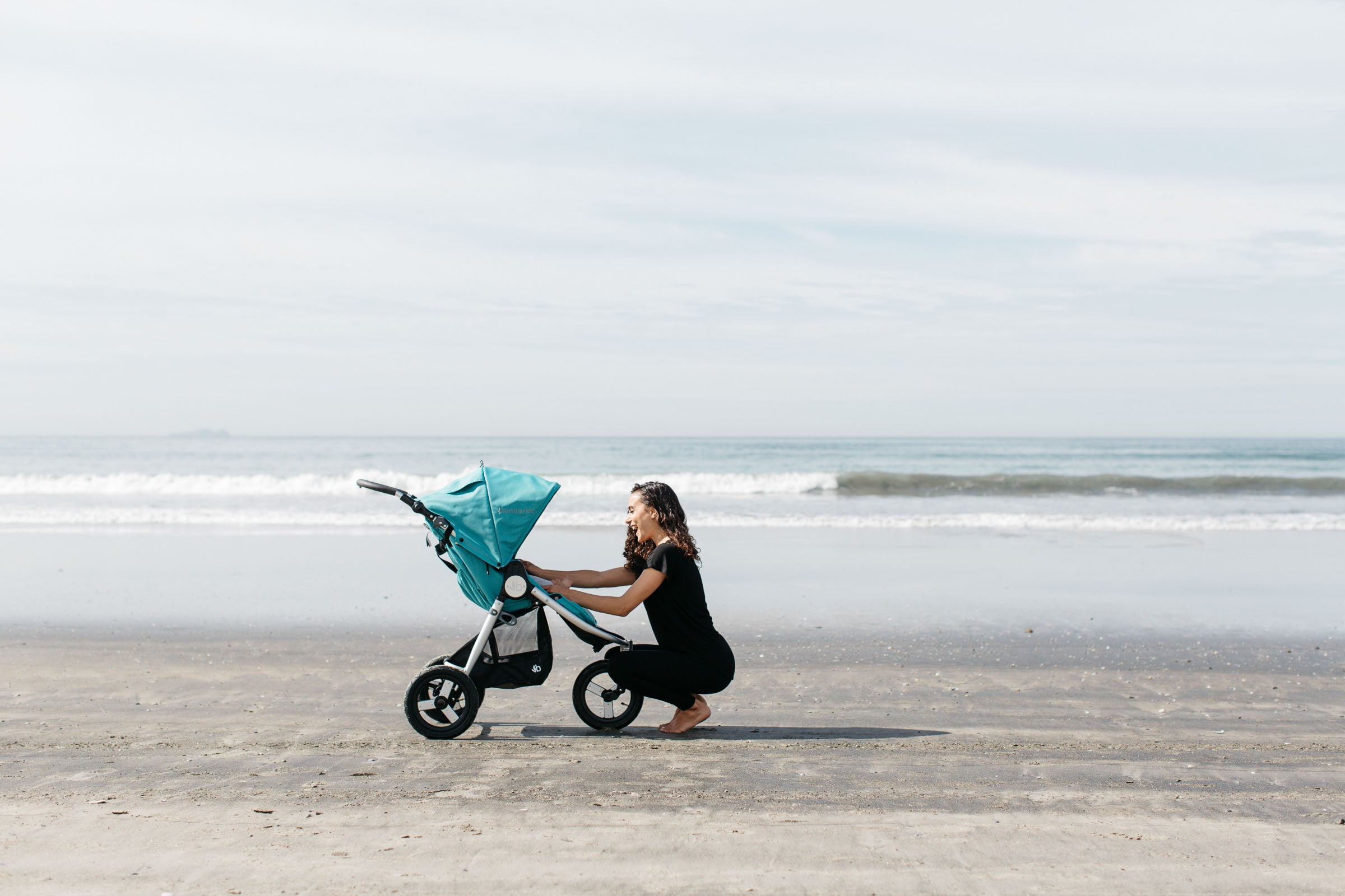 2018 Bumbleride Indie All Terrain Stroller in Tourmaline Wave on Beach