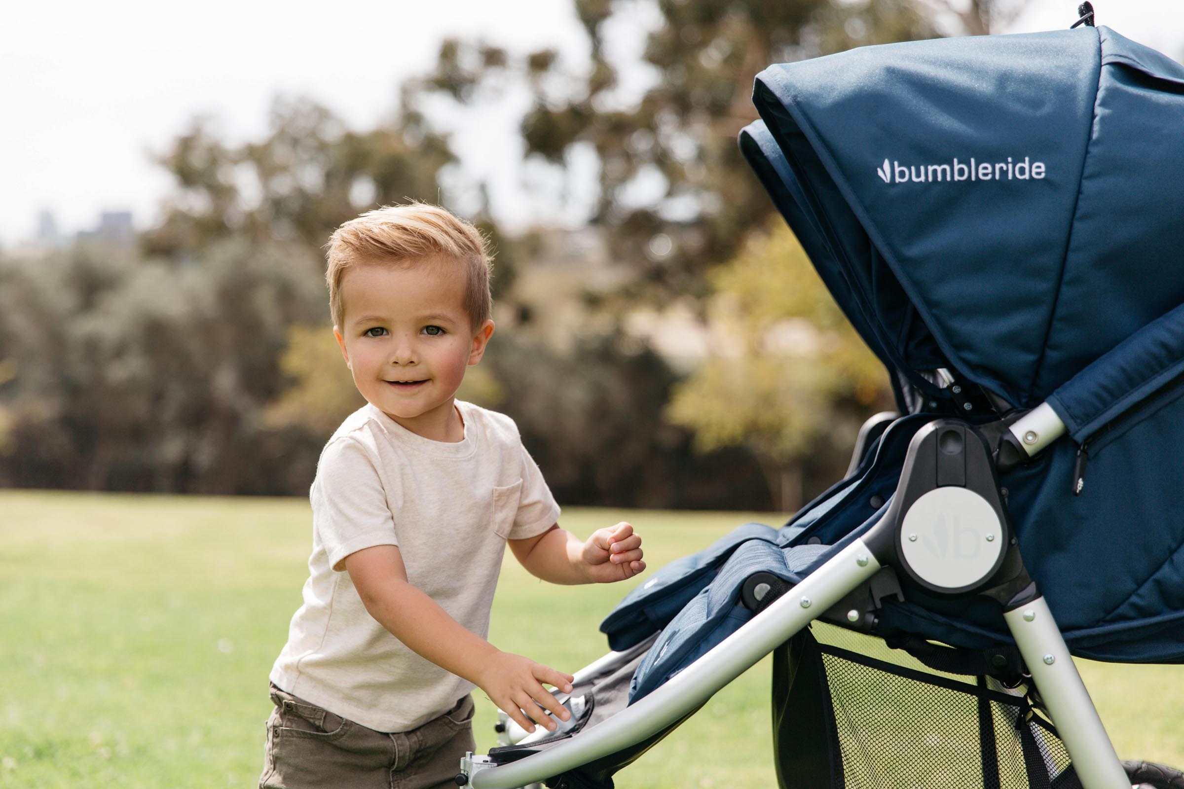 2019 Bumbleride Indie Twin double stroller frame closeup Maritime Blue
