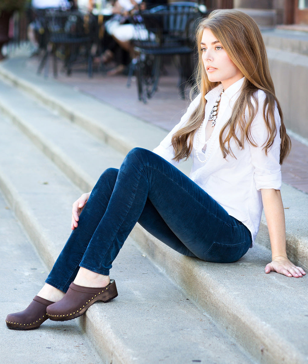 Choosing Clogs For Comfort: Finding Clogs with Arch Support & More