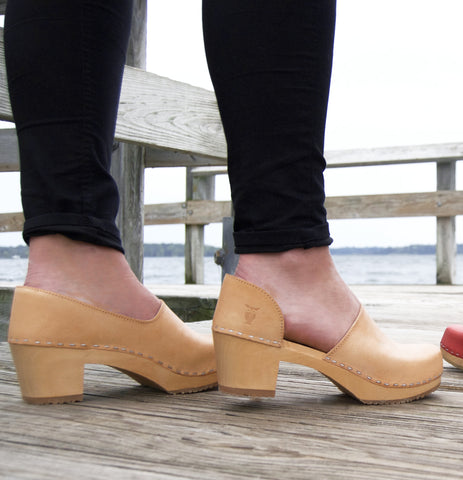 Clog Shoes for High Arches: How to Rock