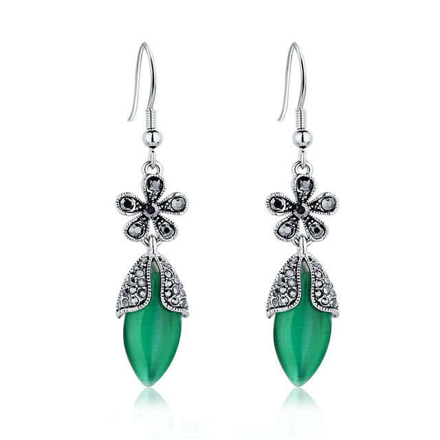 Vintage Green Natural Stone Earrings Flower Design