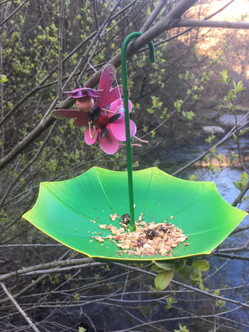 Bird feeder umbrella