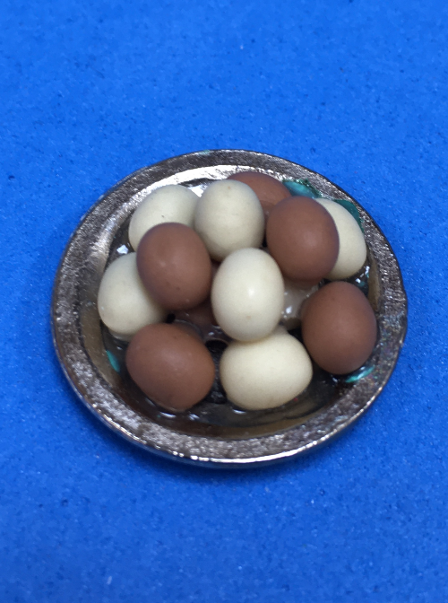 Miniature eggs