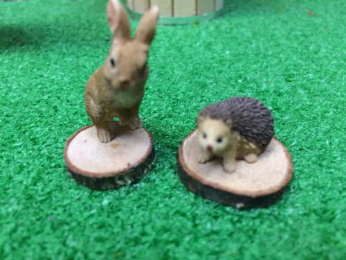 Miniature rabbit and hedgehog set