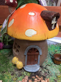 Light-up toadstool house