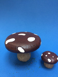 Toadstool fairy table and chair