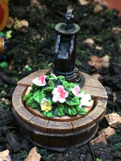 Miniature water barrel scenic