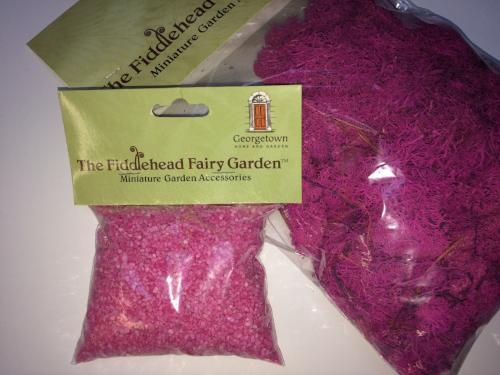 Reindeer moss and pink gravel scenics pack