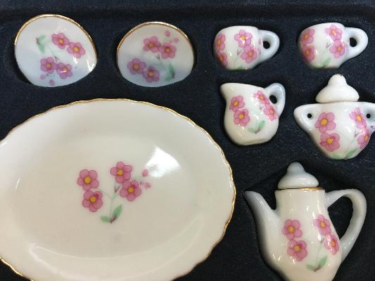 Dolls House Crockery