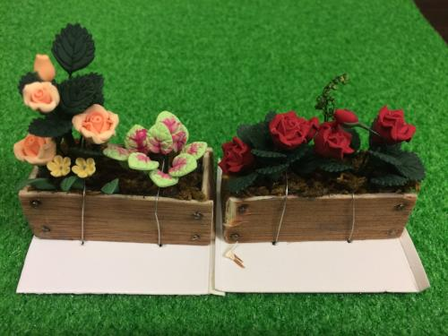 Mini flower boxes for fairy gardens