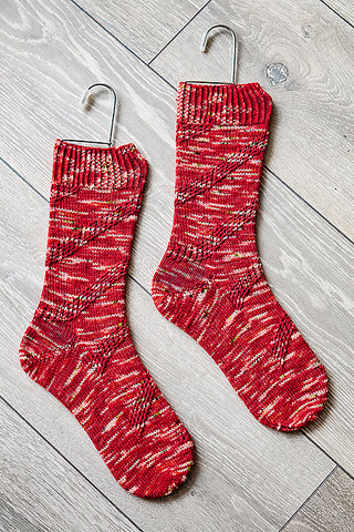 Candy cane striped socks knitting pattern