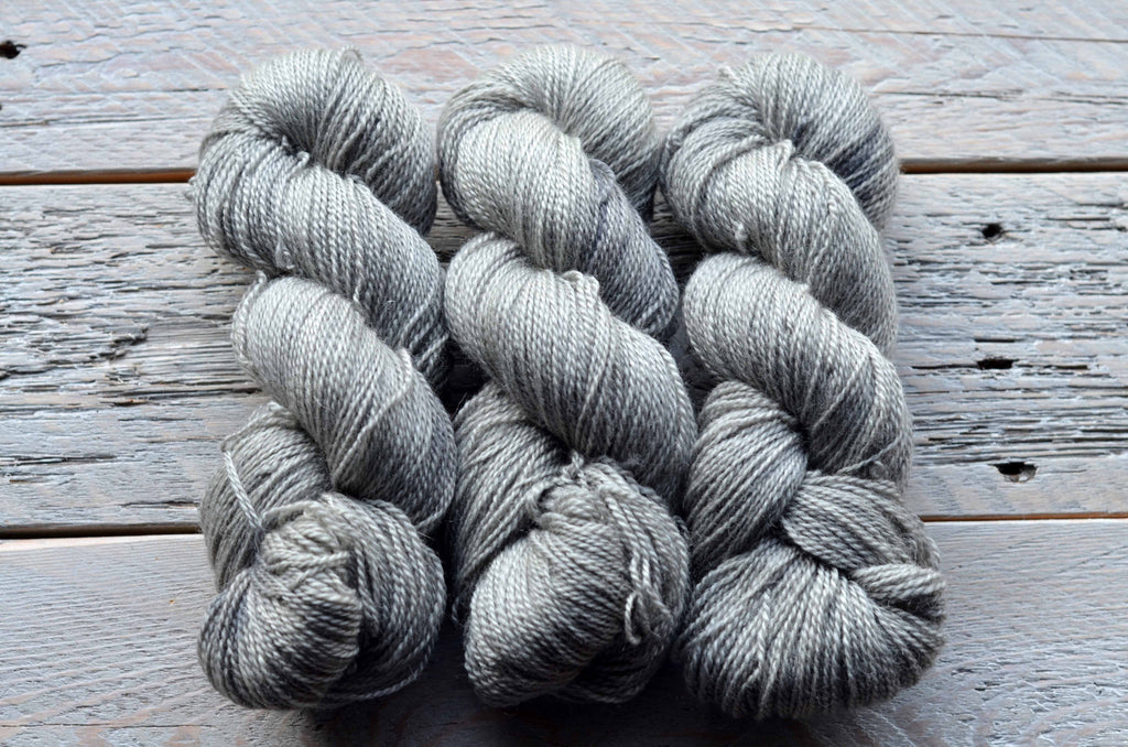 Skipping Stones on BFL Fingering